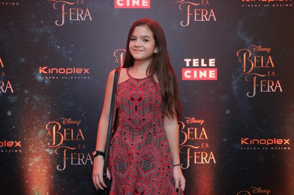"""15.mar.2017 - Lembra dela? A atriz Mel Maia foi outra convidada para o lançamento do filme """"A Bela e a Fera"""", no Rio de Janeiro"""
