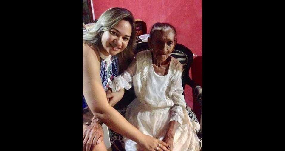 Raissam de Montes Claros (MG), com a vovó Chica, de 97 anos
