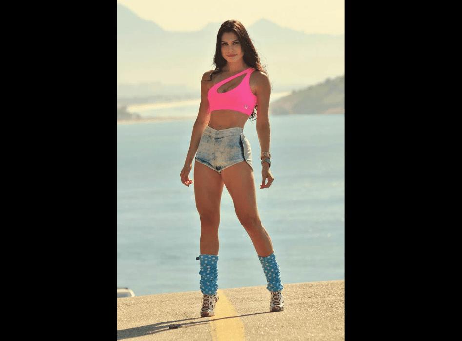 7.mar.2017 - Nascida em Maringá (PR), Juliete de Pieri já conquistou sete títulos de Miss