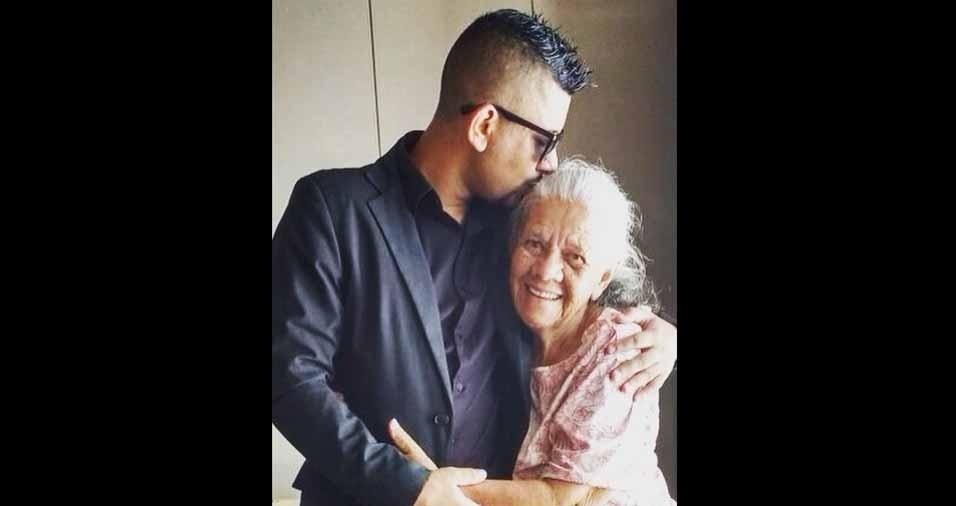 """Carlos Gonçalves de Araújo Junior, de Osasco (SP), homenageia a avó Avelina Terezinha Feliciano: """"Vó, a senhora é o melhor presente que eu tenho nessa vida. Eu te amo muito. Quem dera que por um descuido a senhora fosse eterna... Te amo vó!"""""""