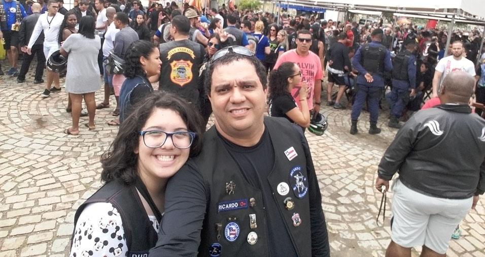 Ricardo de Luna Freire Lima com a filha Maria Eduarda, de Salvador (BA)