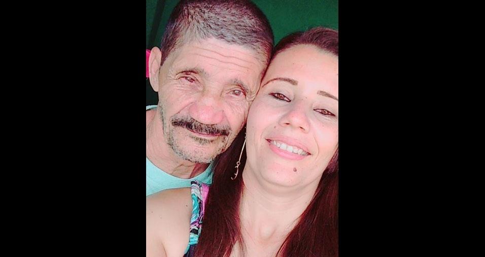 Neide, de Brasília (DF), com o pai João, de Condeuba (BA)