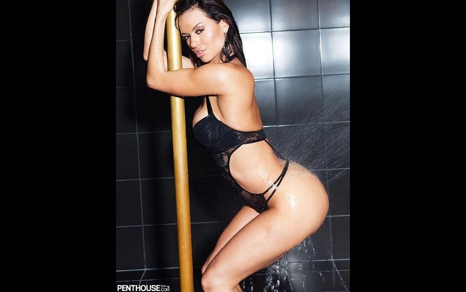 6.abr.2018 - A beldade colombiana Franceska Jaimes teve seu perfil bloqueado no Instagram no começo deste ano. Agora, a modelo e atriz pornô está tentando reconquistar seus seguidores em um novo perfil, o @chekajaimes. O bom disso tudo é que ela voltou como antes: abusando da sensualidade em fotos picantes