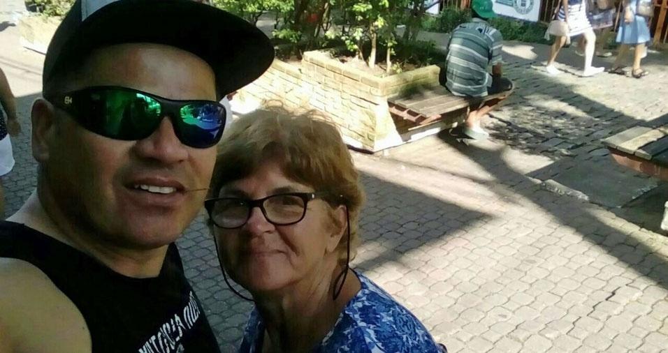 Marcio com a mãe  Cida, de São Paulo (SP)