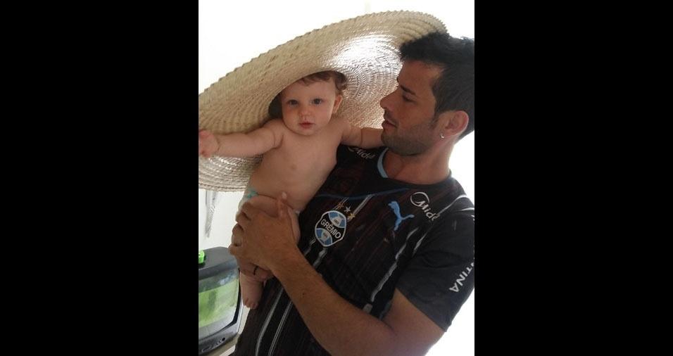 Papai Luan com seu filho Thomas, de Nova Prata (PR)
