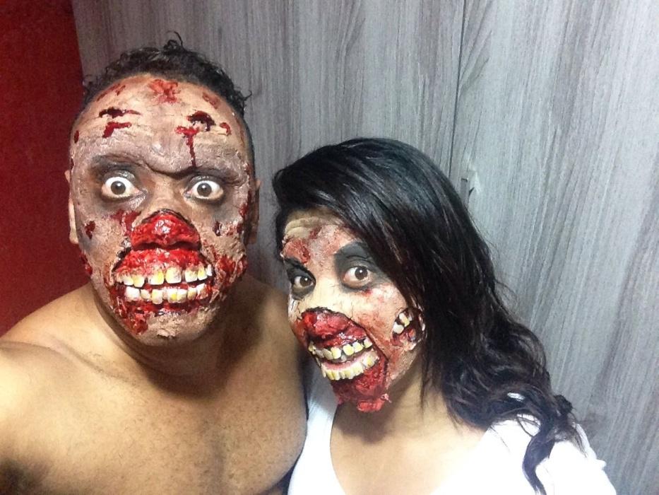 Que medo! O casal Priscila Cassiano, 26, e Medval Cassiano, 30, são os zumbis de São Paulo (SP)