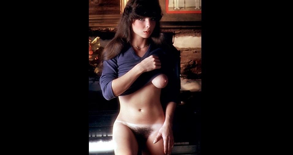 """16. Os fartos pelos pubianos acabaram tornando-se marca registrada da modelo Denise McConnell. Nascida na Alemanha, ela estampou a """"Playboy"""" americana, em 1979, e chegou a aparecer na versão brasileira também junto com outras atrizes e modelos internacionais em um ensaio especial em 1980"""