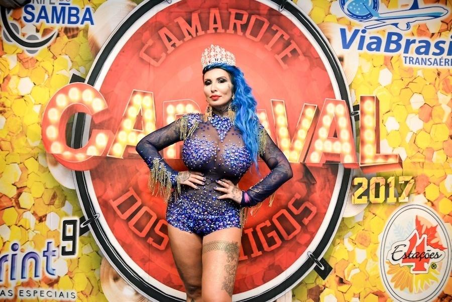 5.fev.2017 - Sabrina Boing Boing posa para foto após ensaio técnico para o Carnaval de São Paulo