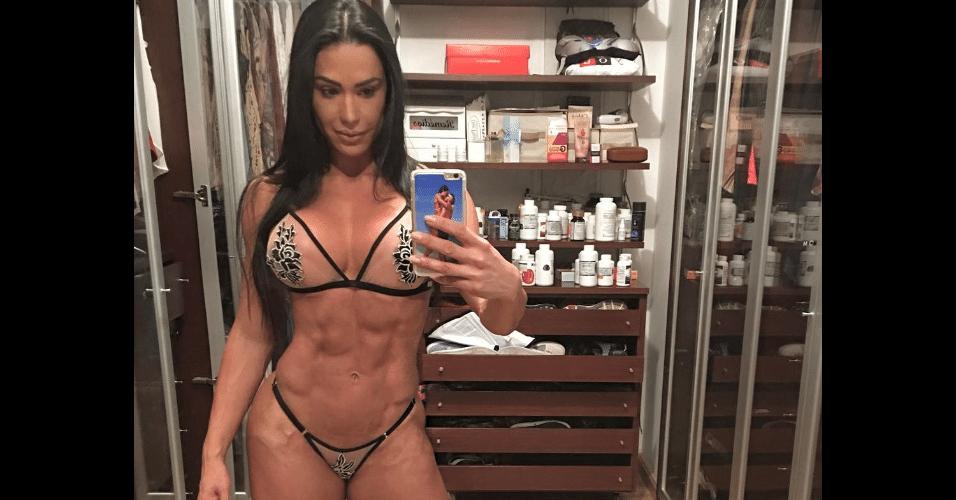 24.jan.2017 - Gracyanne Barbosa ousou na lingerie em foto publicada no Instagram. A dançarina escolheu um conjunto micro, com uma transparência que quase mostrou o que não pode na rede social.