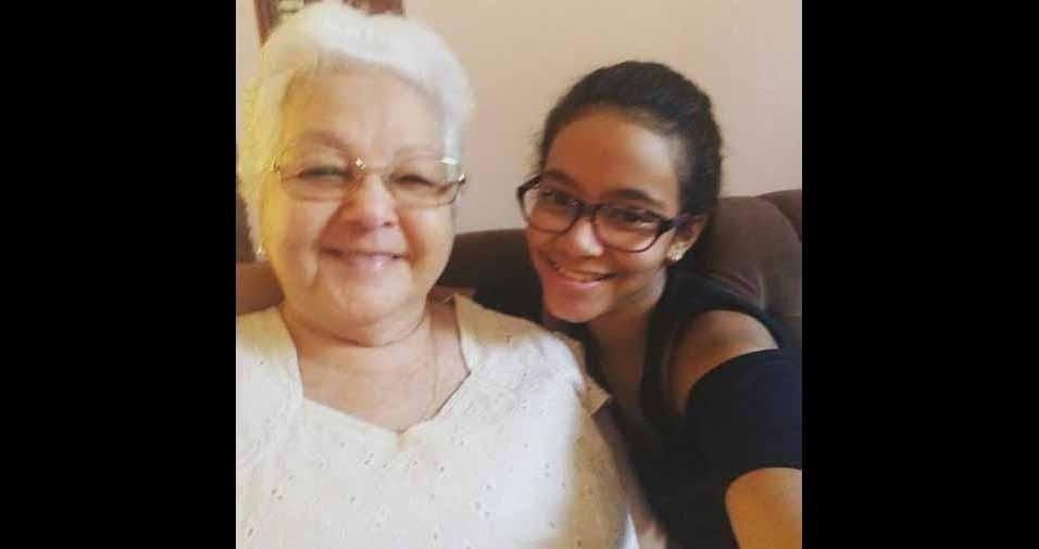 Vitória Jeovanna Rodrigues de França, 11 anos, com a vovó avó Margarida Siqueira Rodrigues, de 79 anos. Elas são de João Pessoa (PB)