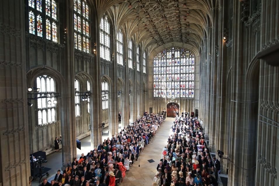 Capela do Castelo de Windsor à espera da chegada de Meghan