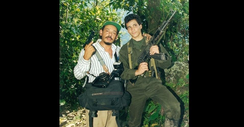 Em 1996, o repórter fotográfico Pedro Luiz Magalhães Graeff, de Belo Horizonte (MG), estava com o amigo Ilson Lima, na Colômbia, fazendo reportagens sobre dois engenheiros que haviam sido sequestrado por guerrilheiros das FARC