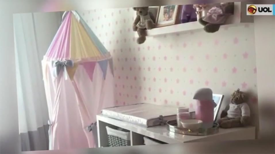 24.fev.2017 - Há espaço também para muitos ursinhos de pelúcia e uma tenda feita com tecidos pendurados no teto - um bom lugar para brincar, no futuro.