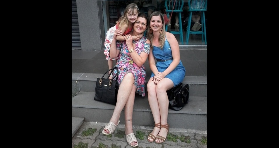 """Tássia e Isabela com a mamãe e vovó Celita: """"Amor incondicional"""""""