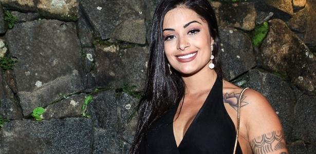 A espetacularmente bela Aline Riscado dispara no nº de aparições em comerciais na TV - AgNews