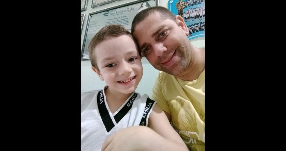 Igo Lima com o filho Davi, de Goiana (PE)