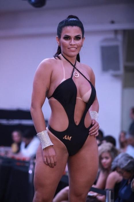 5.nov.2017 - Melina Maia representou Estado do Amazonas