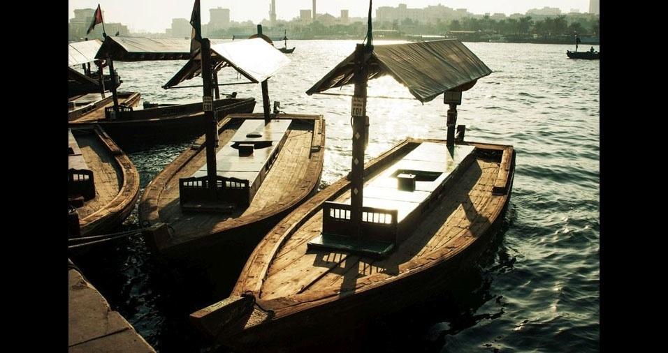 29. Tradicionais barcos para o transporte de pessoas em Abra, Dubai