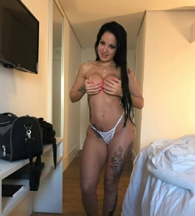A atriz pornô Elisa Sanches divulga os bastidores dos seus trabalhos nas redes sociais