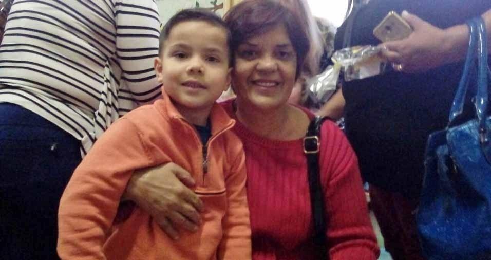 Vovó Fátima Bonfante com o netinho Gabriel , em Passo Fundo (RS)