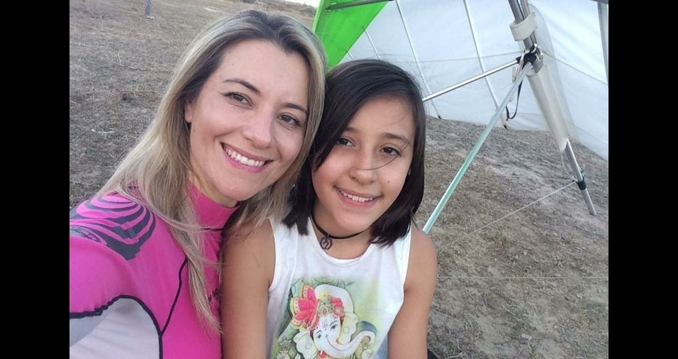 """""""Minha fiel companheira! Minha filha Vitória"""", conta a mamãe Daniela, de Fortaleza (CE)"""