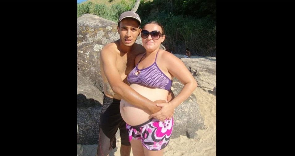 William Oliveira e Edilene Santos, gravida da Beatriz, de Caraguatatuba (SP)