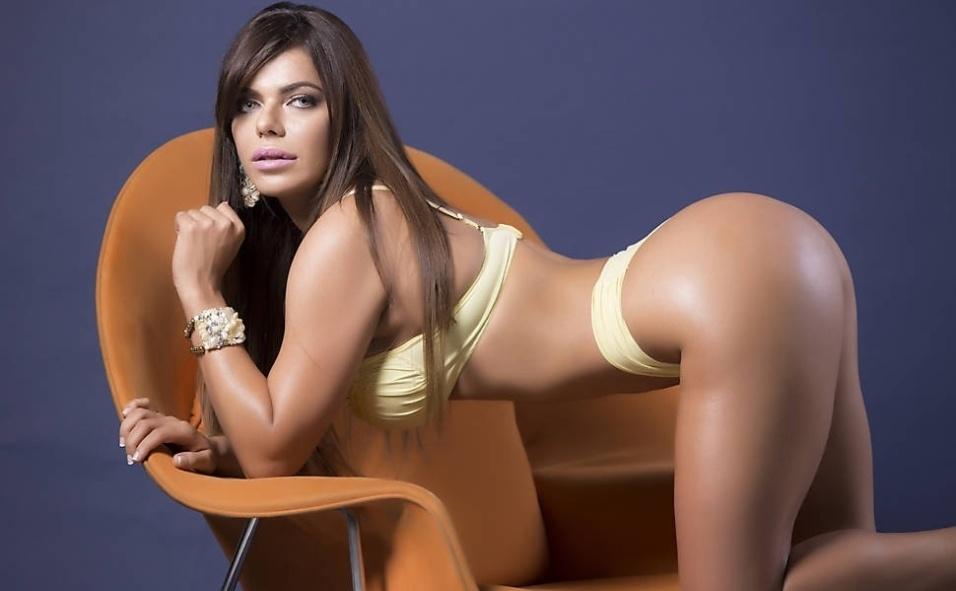 23.set.2015 - Suzy Cortez, representante do Distrito Federal no concurso Miss Bumbum Brasil 2015, exibe os seus atributos em ensaio sensual