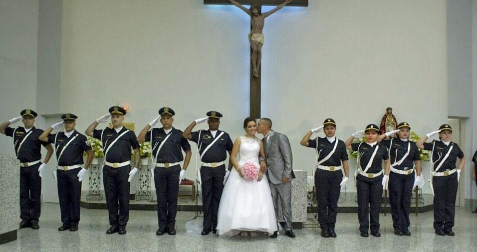 Bruna e Alexsandro, de Itanhaém (SP), se casaram em 28 de maio de 2016. Eles acabaram de completar um ano de união