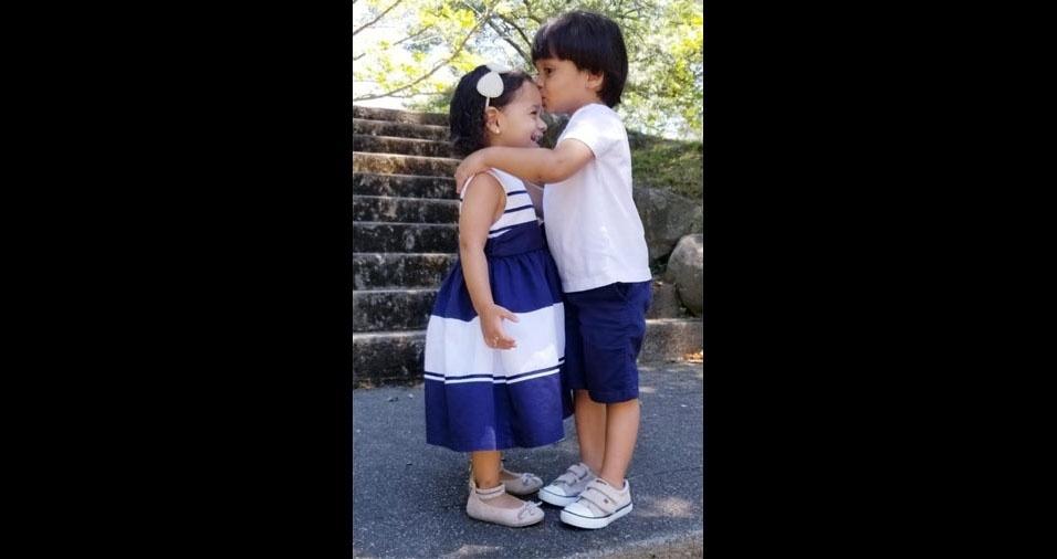 De Waterbury (nos Estados Unidos), a Ana Marcia e o Alexandre Soares mandaram fotos dos filhos Anna Livia e Matews