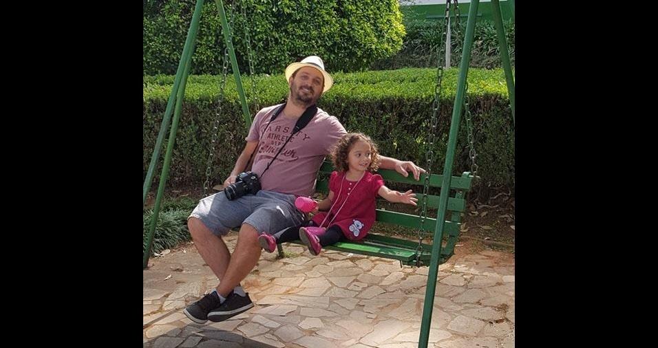 O papai Benevides e sua filha Helena, de Boa Esperança (MG)