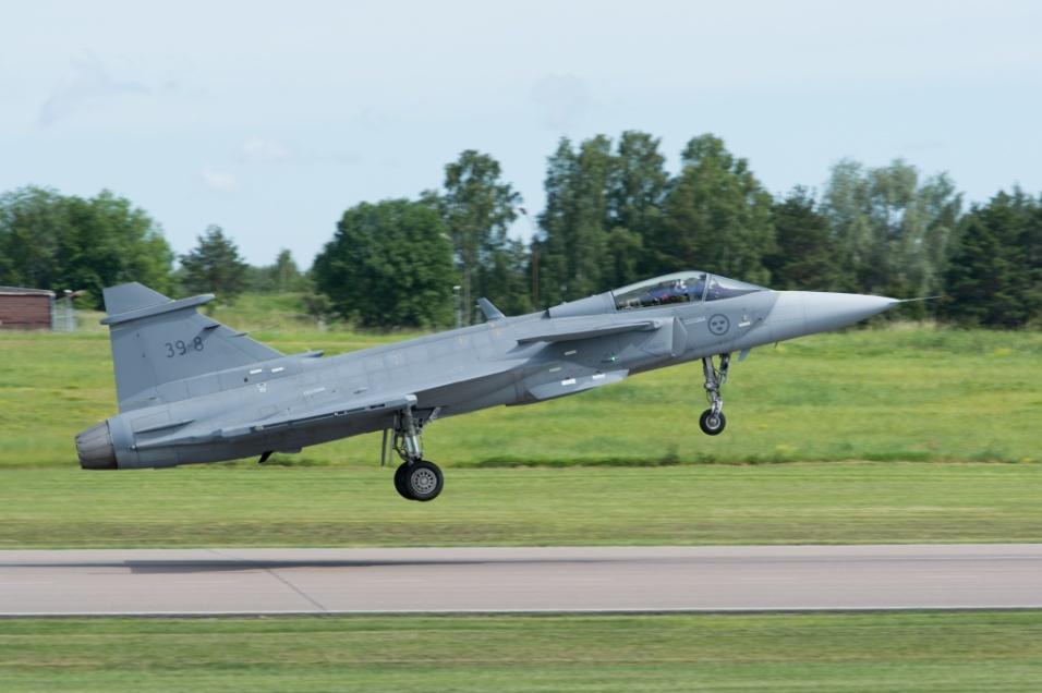2017 - Primeiro voo do Saab Gripen 39E aconteceu na cidade sueca de Linköping