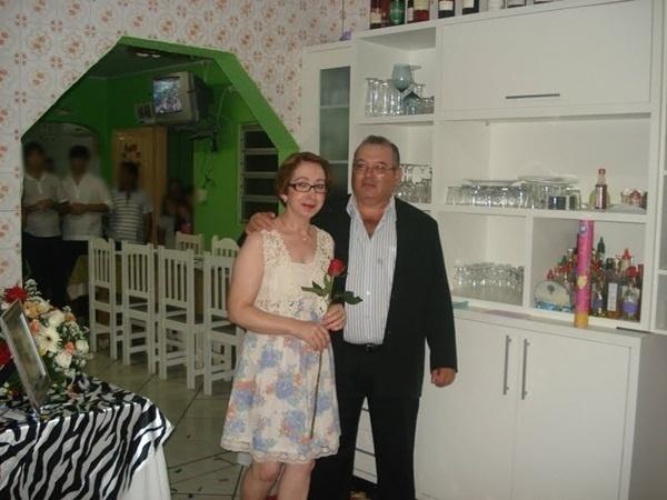 Carlos Alberto Longo e Silézia Rodrigues Longo casaram em Criciúma (SC) no dia 8 de fevereiro de 2012.