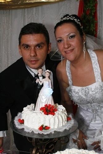 Marcelo Sarreta e Renata Rafaela Felipin Sarreta casaram em Ribeirão Preto (SP) no dia 15 de maio de 2010.