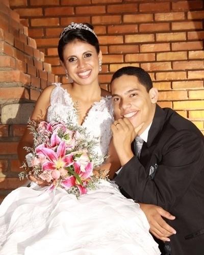 Edina e Diógenes Costa Fernandes se casaram em Teófilo Otoni (MG), no dia 30 de julho de 2011.