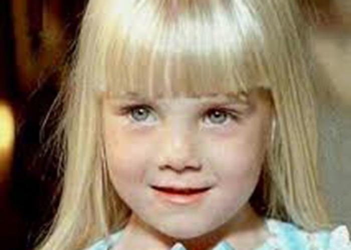 """Entre as mortes mais chocantes do terror está a da protagonista dos filmes """"Poltergeist"""", a atriz mirim Heather O'Rourke, que tinha 12 anos quando morreu de choque séptico, em fevereiro de 1988, dias após as gravações do último capítulo da trilogia"""