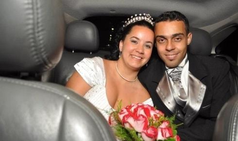 'Foi um dia inesquecível que nunca vou esquecer, agradeço todos os dias a Deus pela família linda que tenho!', diz Roberta Borges da Silva Gonçalves. Ela se casou com André Luis Dias Fernandes Gonçalves, em 12 de novembro de 2011.