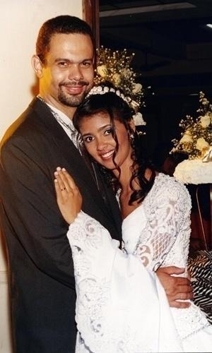 José Flávio dos Santos disse que o dia 4 de maio de 2001, quando se casou com Claudia Aparecida Silva, foi o 'mais feliz de nossas vidas'. O casal é de Curvelo (MG).