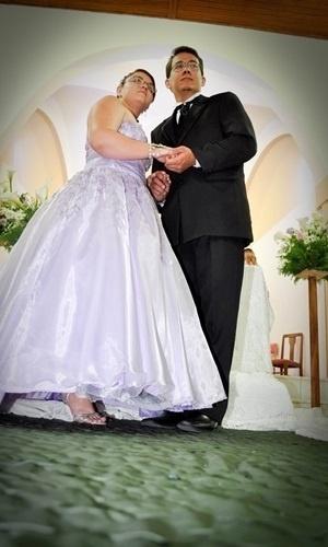 Lenilson Silvino e Danieli Albino casaram-se em 2 de julho de 2011 em Canas (SP).