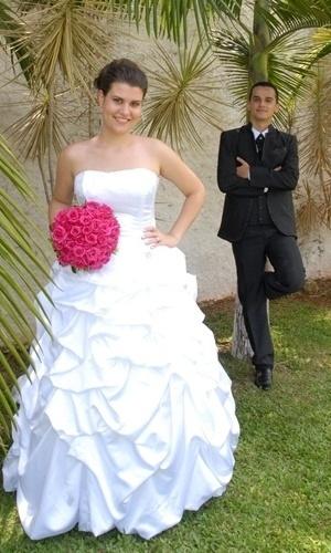 Marcos Otonio Silva Junior e Larissa Neumann Neves são de Mairiporã (SP) e se casaram em 2 de dezembro 2012.
