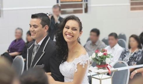 Os gaúchos de Porto Alegre Miguel e Tamiris Diniz casaram-se em 20 de abril de 2013.