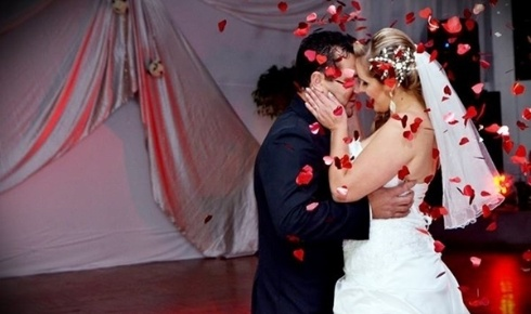 Silvio Roberto de Bastos e Denise Cristina de Bastos, de Santa Cruz do Sul (RS), uniram-se recentemente: em 18 de maio de 2013.