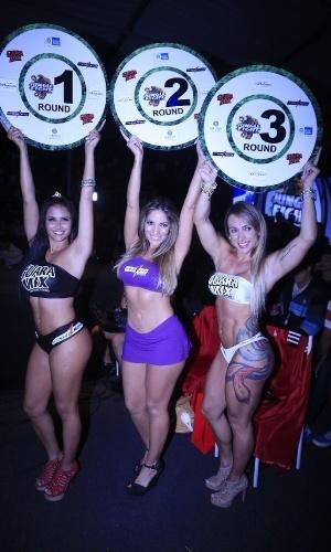"""2.jun.2013 - Ex-BBB e capa da revista """"Sexy"""" de junho, Anamara fez uma participação como ring girl no Jungle Fight 53, realizado em 53 tem Japeri (RJ)"""