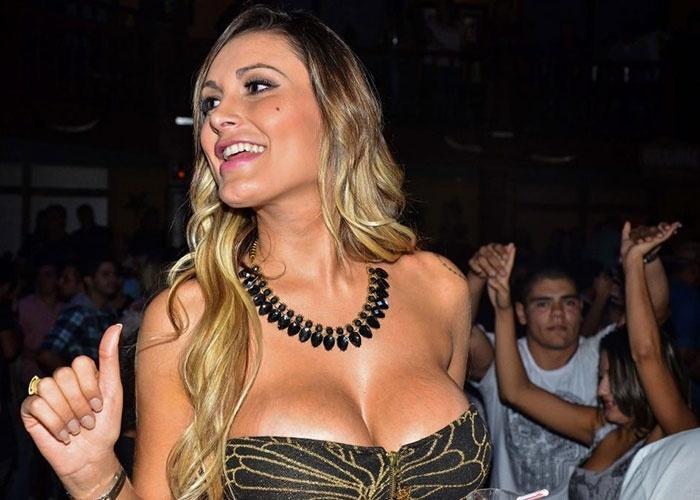 7.jun.2013 - Andressa Urach participa do aniversário Geisy Arruda em boate de São Paulo