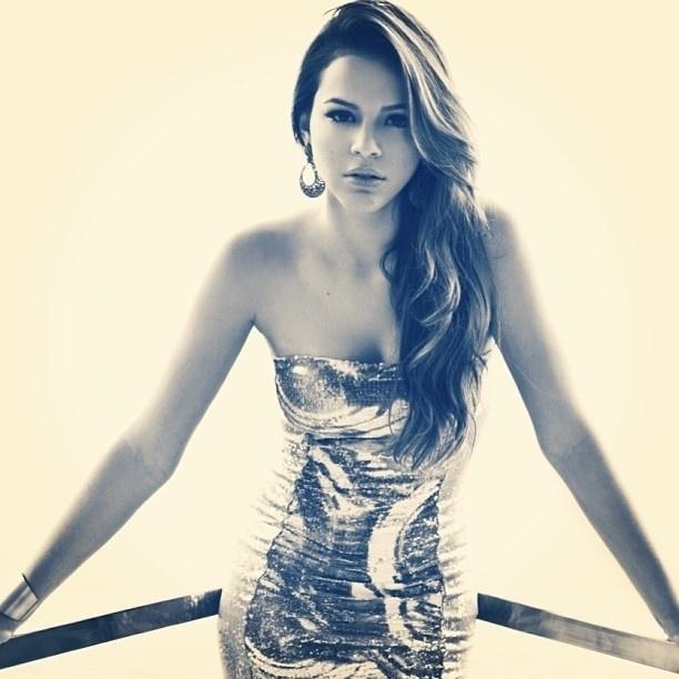 11.jun.13 - A atriz Bruna Marquezine postou uma foto esbanjando  sensualidade em 9b67982cae8a1