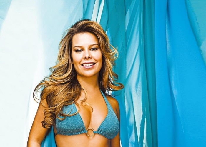 11.jun.2008 - Atriz Fernanda Souza participa de ensaio para a