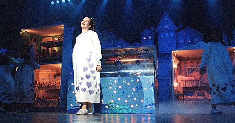 12.10 .98 - A atriz Fernanda Souza, que interpreta Mili, durante show das