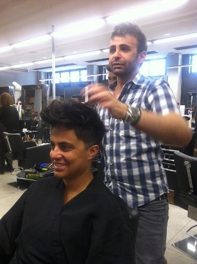 """28.jun.2013 - Após o sucesso em """"Salve Jorge"""", a atriz Thammy Gretchen mudou o visual dos cabelos e adotou o look topetão. """"E o cabelo novo já tá pronto pra hoje de noite! O que seria de mim sem meu cabeleireiro Eron?"""", escreveu Thammy na legenda da foto divulgada no Instagram"""