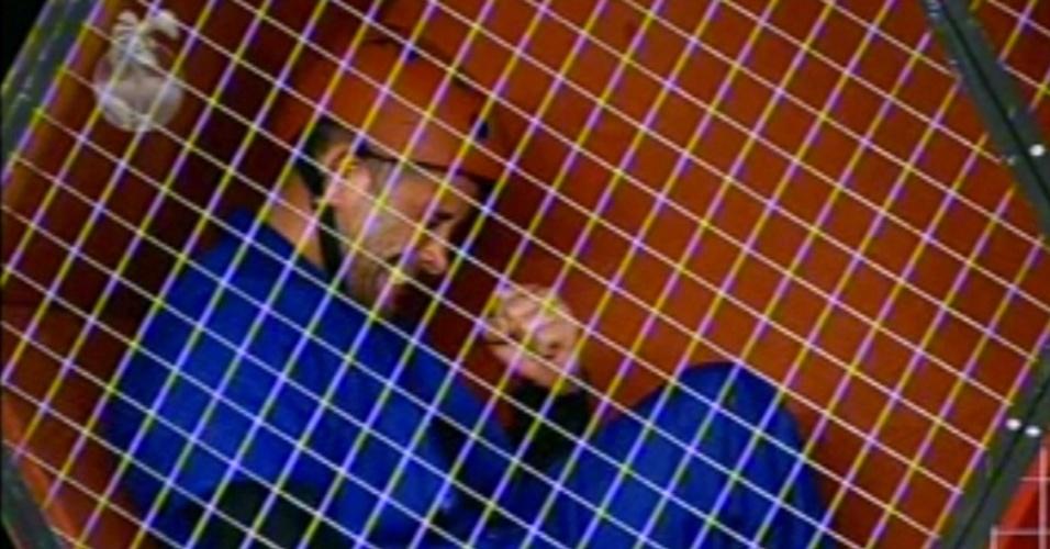 28.jun.13 - O ator Marcos Oliver venceu a terceira etapa do super-poder da chave e garantiu uma vaga na final do programa. A disputa foi na noite desta sexta-feira (28).