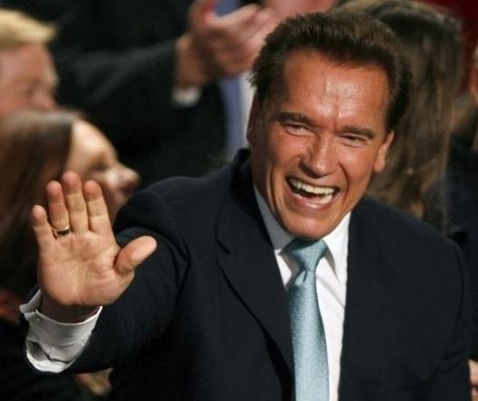 8.nov.2006 - Arnold Schwarzenegger é reeleito governador da Califórnia
