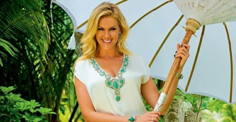 11.ago.13 - A apresentadora Anna Hickmann confirmou a informação de que está esperando seu primeiro filho, na noite deste domingo